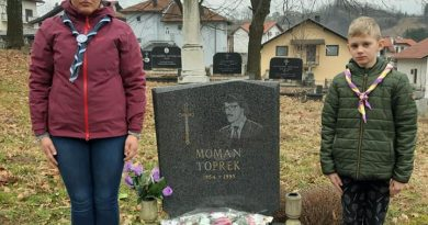 Sjećanje na Momana Topreka  (Tešanj 15.8.1954 –  25.1.1993).